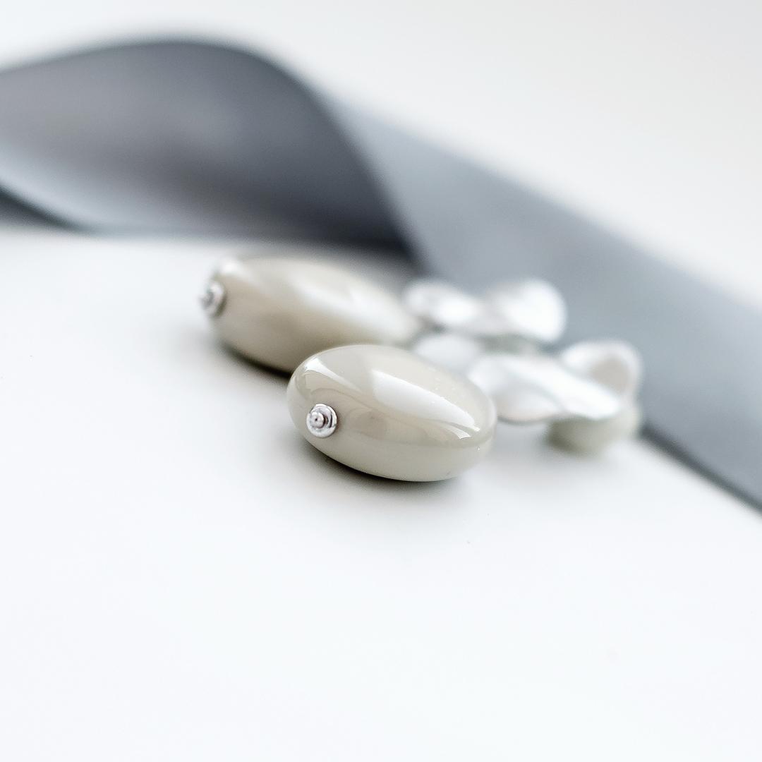 Серьги «мятый металл» с пластиком  оптом и в розницу