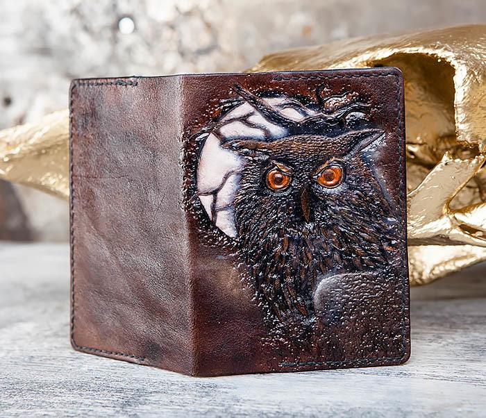 BC180 Кожаная обложка для паспорта с филином