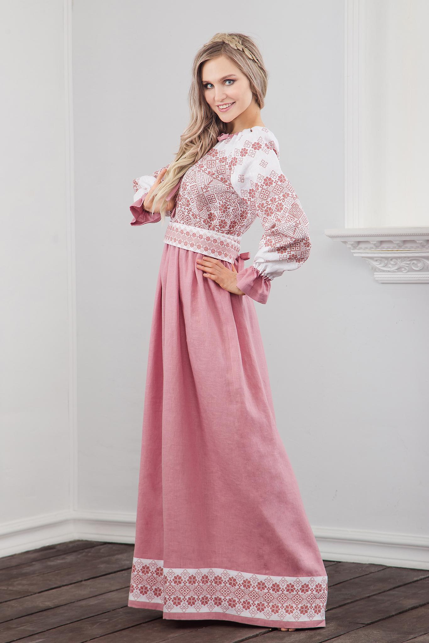Платье традиционное Дары солнца в розовом вид сбоку