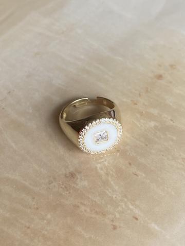 Кольцо Сайн белое, позолоченное серебро
