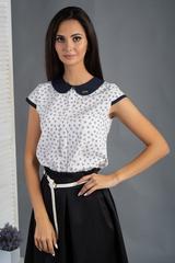 Вита. Классическая блуза с круглым воротником. Белые сердечки