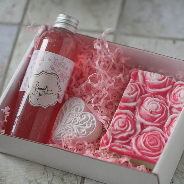Этиклейка на упаковку для мыла Розовые пионы