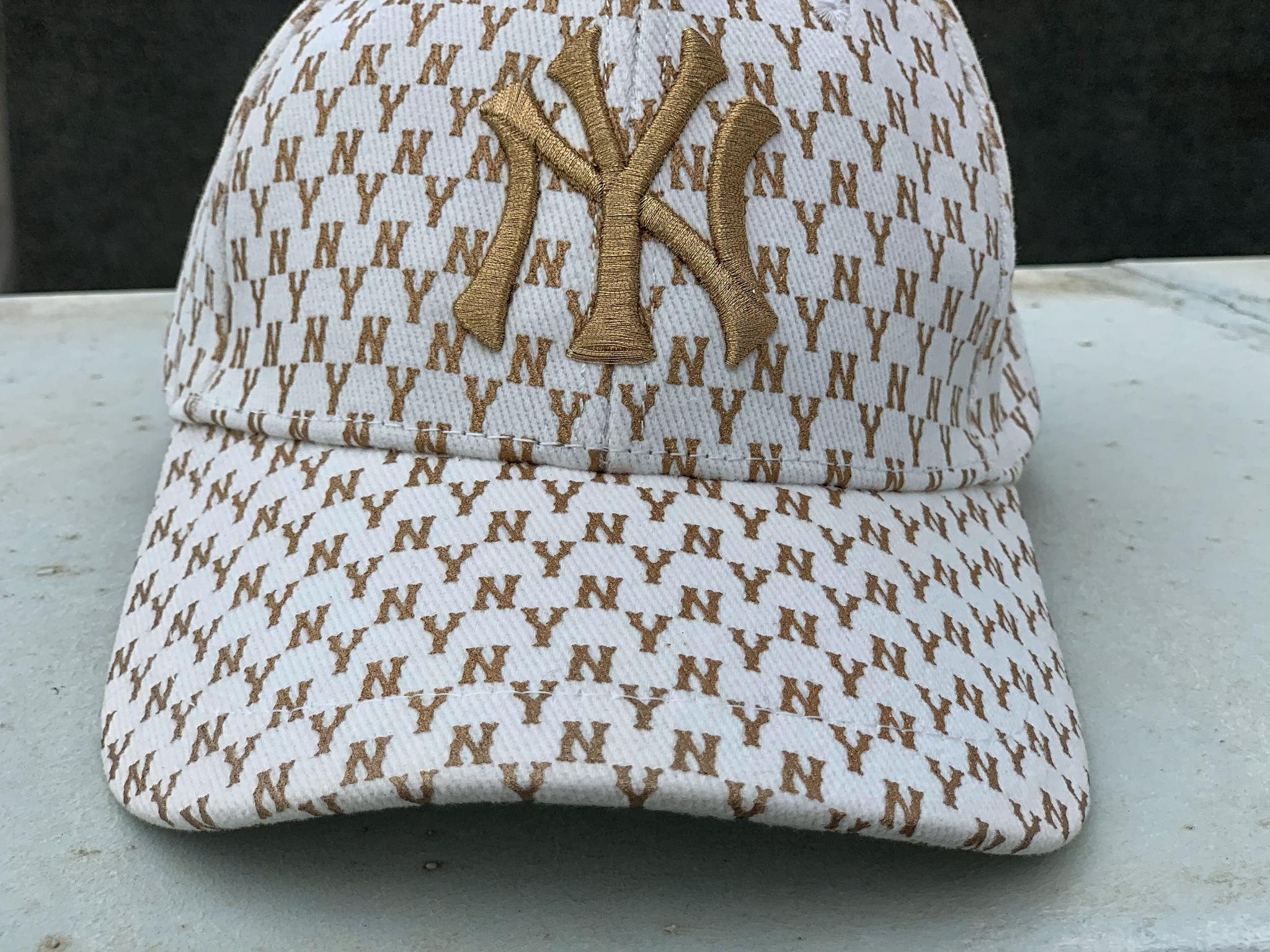 Бейсболка NY, белый