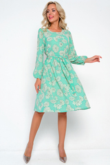 <p>Роскошь, элегантность и утонченность-все это о нашем платье из новой коллекции. Изящное платье из воздушной ткани. Талия и рукав на резике. Платье без застежки, на подкладе с поясом. Длина :101см.</p>