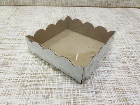 Коробка 12х12х3.5 см, микрогофрокартон, с прозрачной крышкой и ажурным краем,