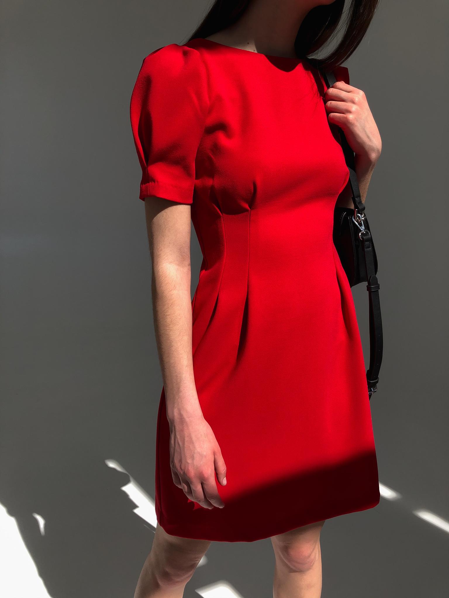 Платье мини с защипами на талии (красный)
