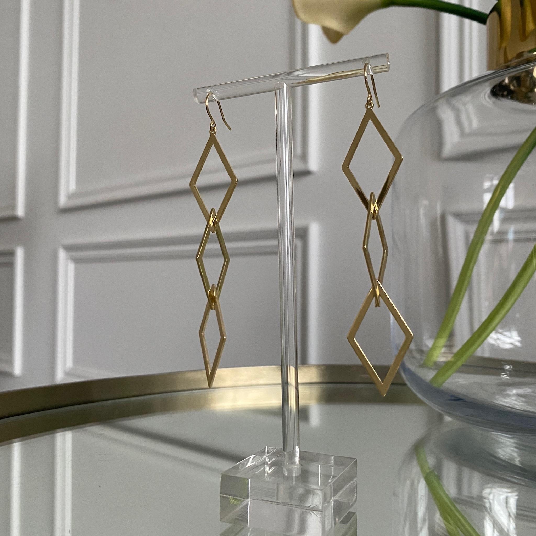 Серьги c контурными геометричными вставками (золотистый)