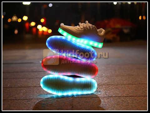 Светящиеся кроссовки с USB зарядкой Fashion (Фэшн) на шнурках, цвет белый, светится вся подошва. Изображение 19 из 29.