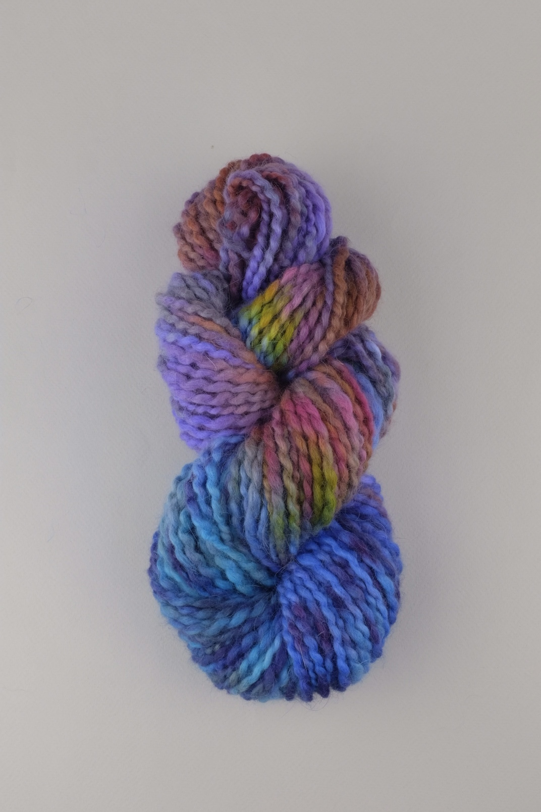 Пряжа из ангоры ручного прядения и секционного окрашивания, цвет голубая, сиреневая меланж