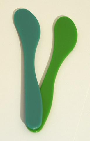 Шпатель для нанесения масок пластиковый, 185 мм