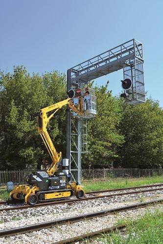 Самоходный подъемник на гусеничном и железнодорожном ходу Platform Basket RR9/200 (Италия)