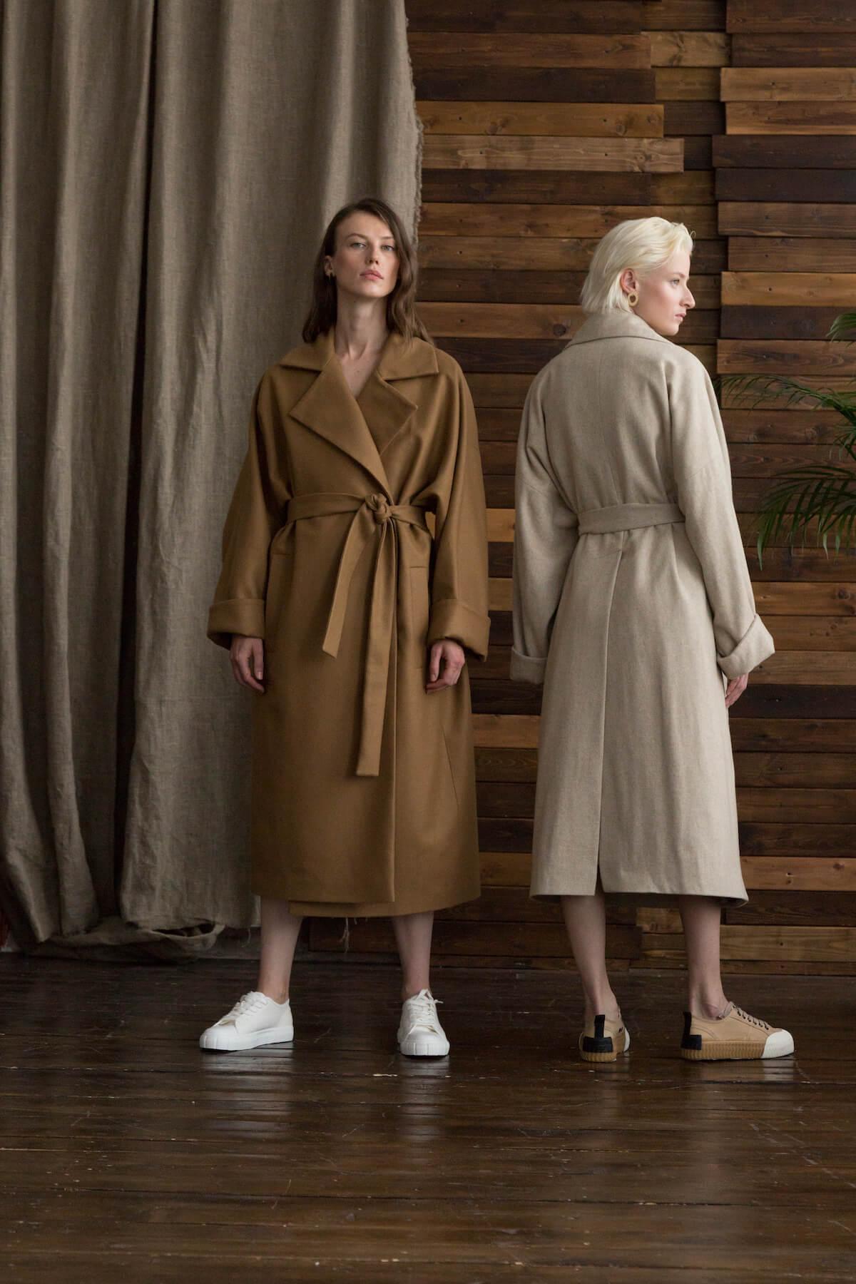 Пальто с комбинированным рукавом, беж