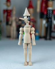 Pinocchio_Unpainted_Italy_DI390003