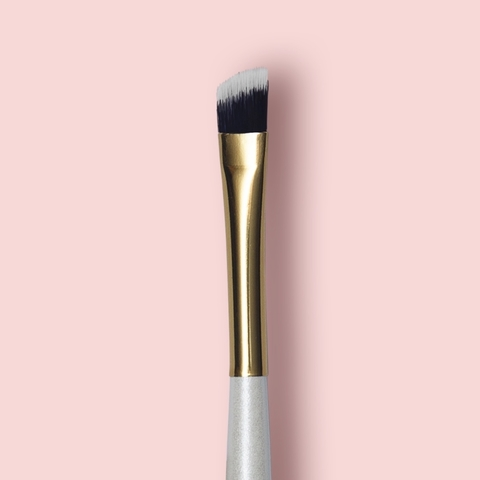 Oh My brush Angeled eye brush 206