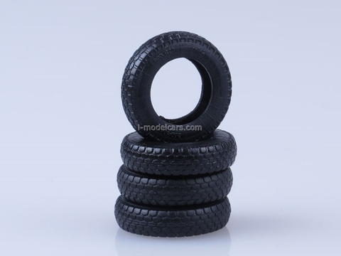Tire 4 pieces IN-142 ZIL-130 KamAZ and others Checkered Protector 1:43 Start Scale Models (SSM)