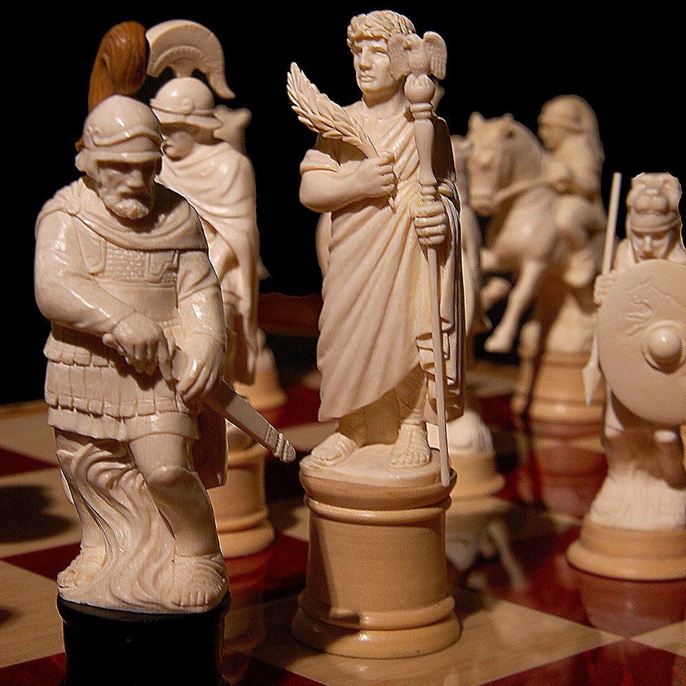 Шахматный набор «Греки и римляне»