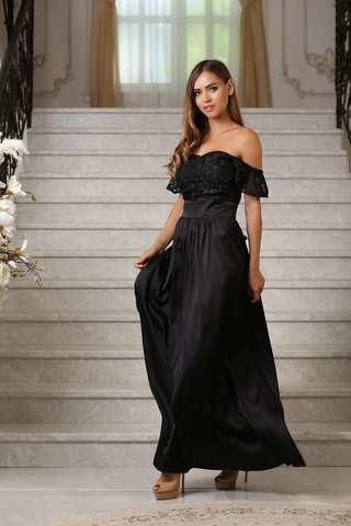 Черное вечернее платье с кружевным топом и рукавами крылышками
