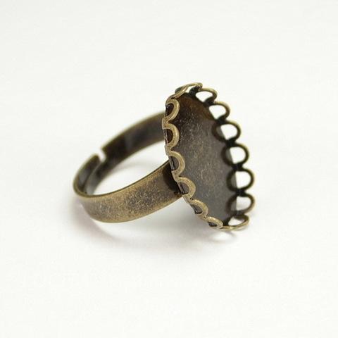 Основа для кольца с сеттингом с ажурным краем для кабошона 18х13 мм (цвет - античная бронза)