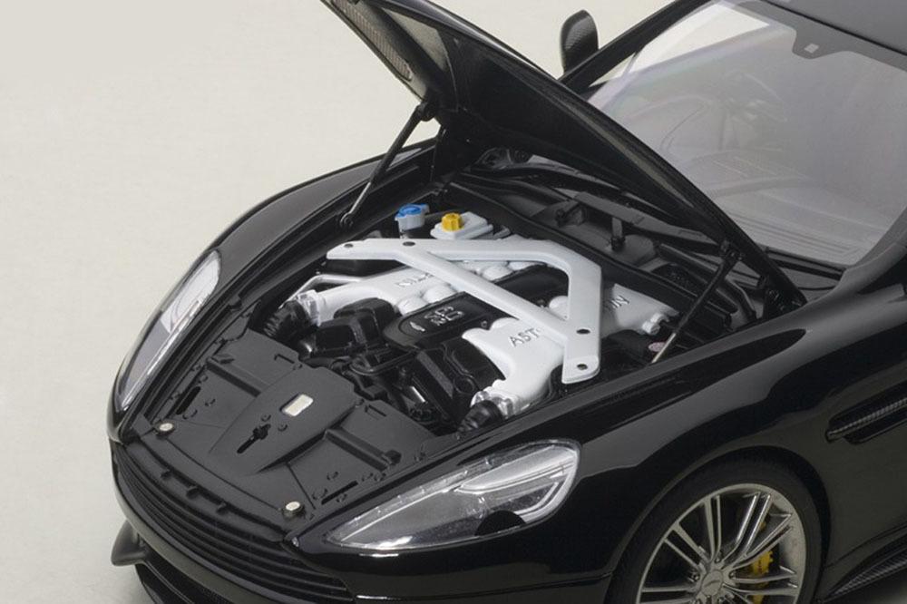 Коллекционная модель Aston Martin Vanquish 2015 Gloss Black