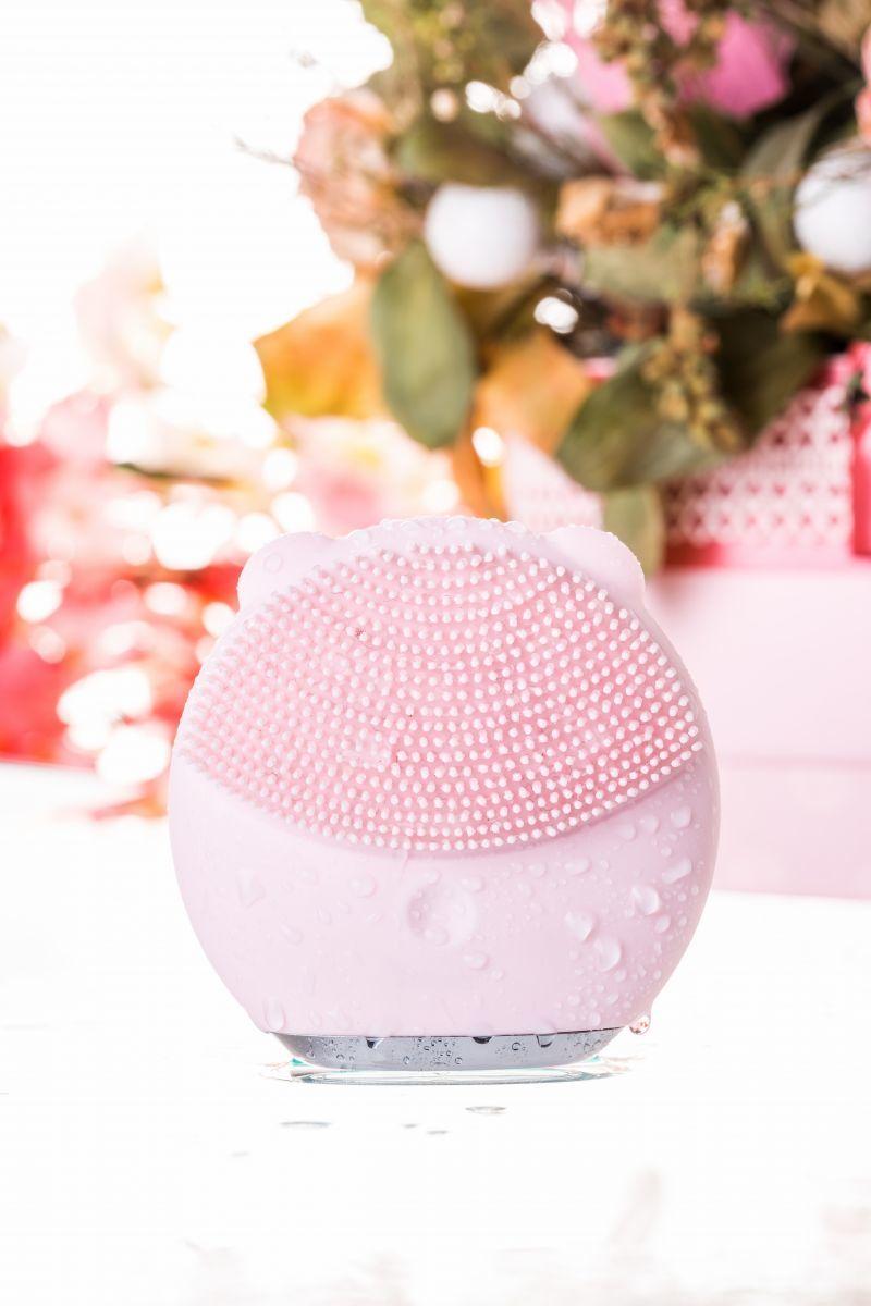 Розовый силиконовый массажер для лица Yovee Gummy Bear