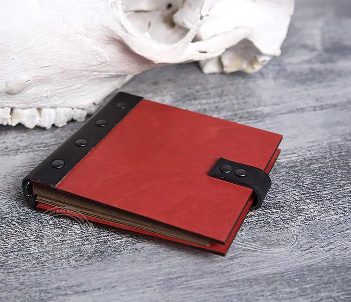 BC127-4 Небольшой деревянный блокнот красного цвета, ручная работа фото 02