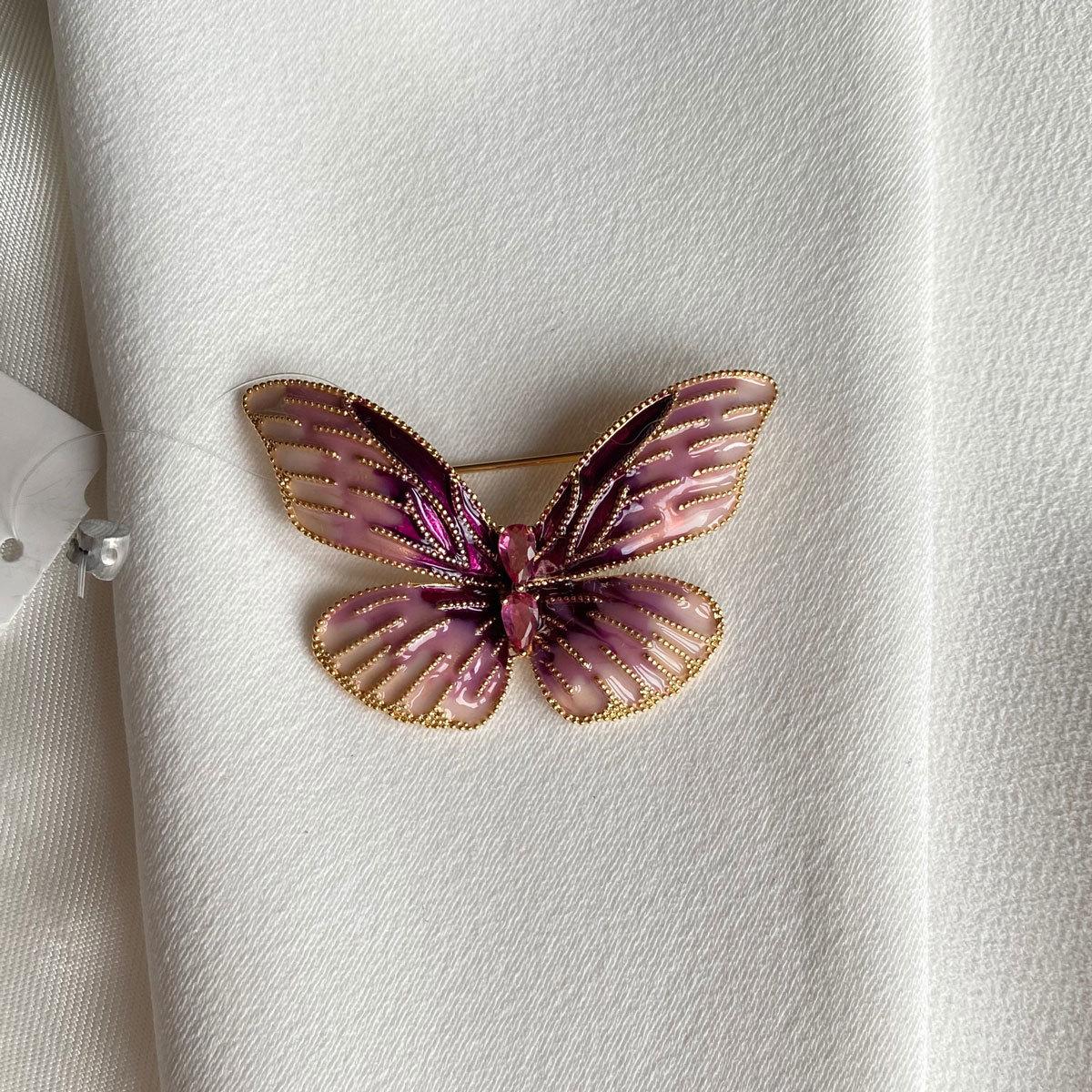 Брошь Бабочка глазурь цирконы розовая