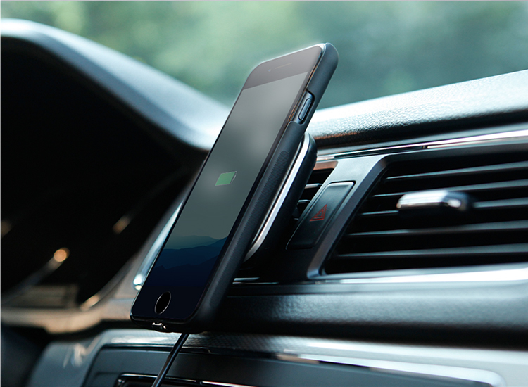 Архив Комплект в автомобиль для iPhone 7 Plus 26.jpg