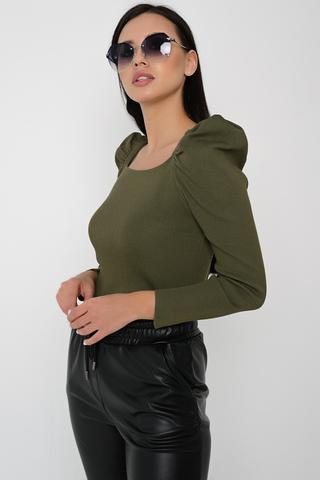 """<p>Ждали ?? Получайте!!! Самая модная модель этого сезона! Джемпер с вырезом """"каре"""" и объемными рукавами</p> <p>- ХИТ СЕЗОНА!!!</p> <p><span>(Один размер: 44-48)</span></p>"""