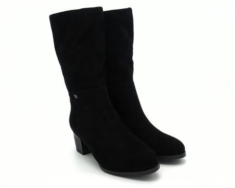 Зимние велюровые полусапоги на эффектном каблуке