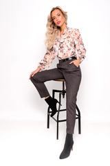 """<p>Классика никогда не выйдет из моды. Брюки """"Гелия"""" помогают нашим модницам создать безупречный образ. Ремень входит в стоимость изделия. Длины: 42р=96см; 44,46,48р=96см; 50,52=97см.</p>"""