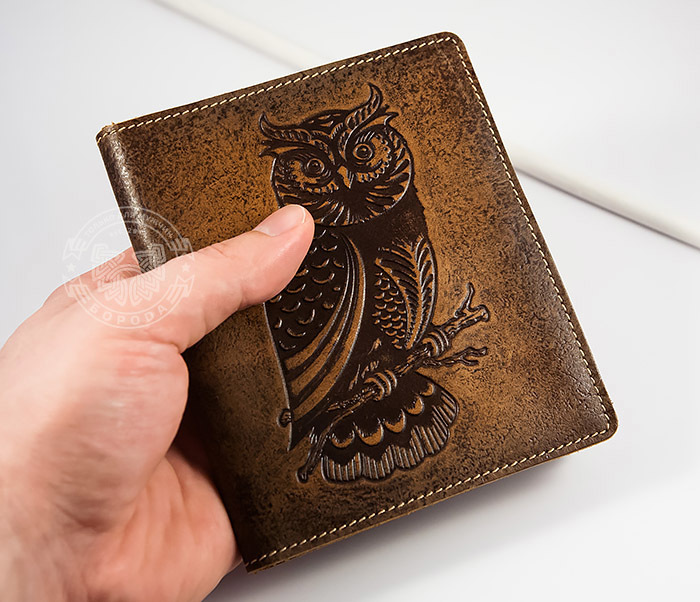 BY07-05-01 Визитница кардхолдер из натуральной кожи «Сова» на 36 карт фото 03