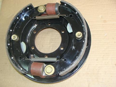 Тормоз редуктор. передний правый в сб.