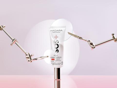 MADARA Гидробарьерный органический крем для глубокого увлажнения кожи SOS с гиалуроновой кислотой 40 мл