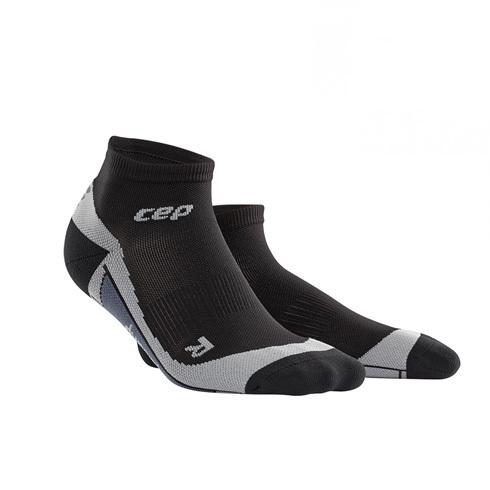 Для занятий спортом Функциональные короткие гольфы CEP для занятий спортом 30_low_cut_socks_black.jpg