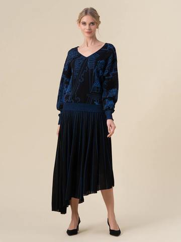 Женский джемпер черного цвета с принтом - фото 3