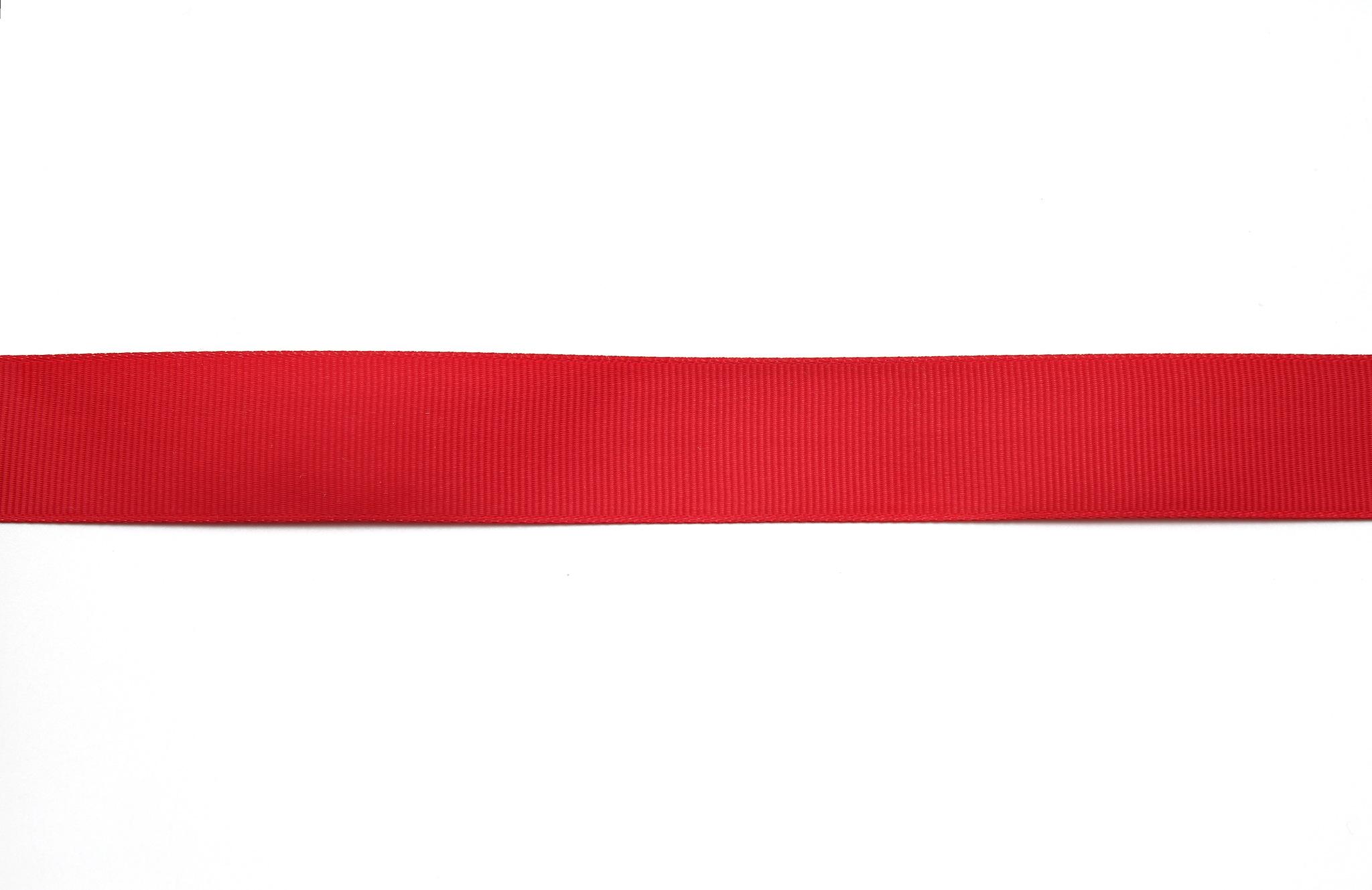 Лента красная