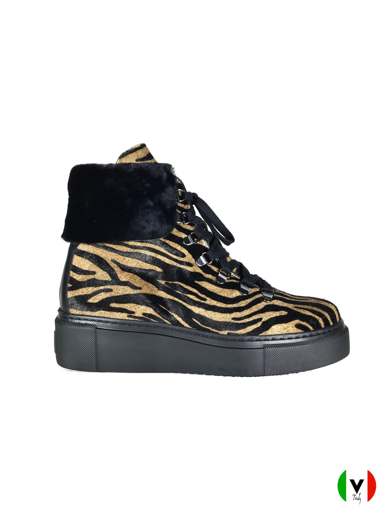 Зимние ботинки Laura Bellariva зебра 2105-zebra, артикул 2105, сезон зима, цвет чёрный, материал кожа наплак, мех каваллино, цена 19 500 руб., veroitaly.ru