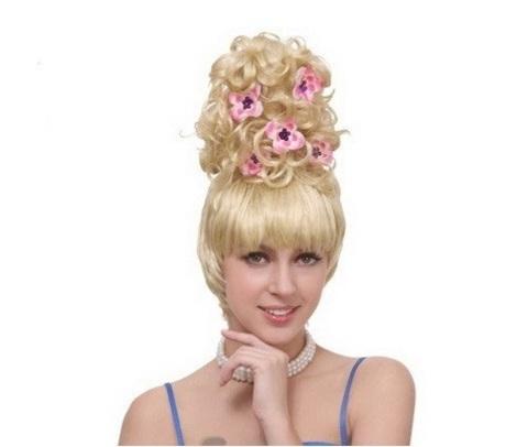 Парик блондинки высокий с цветами