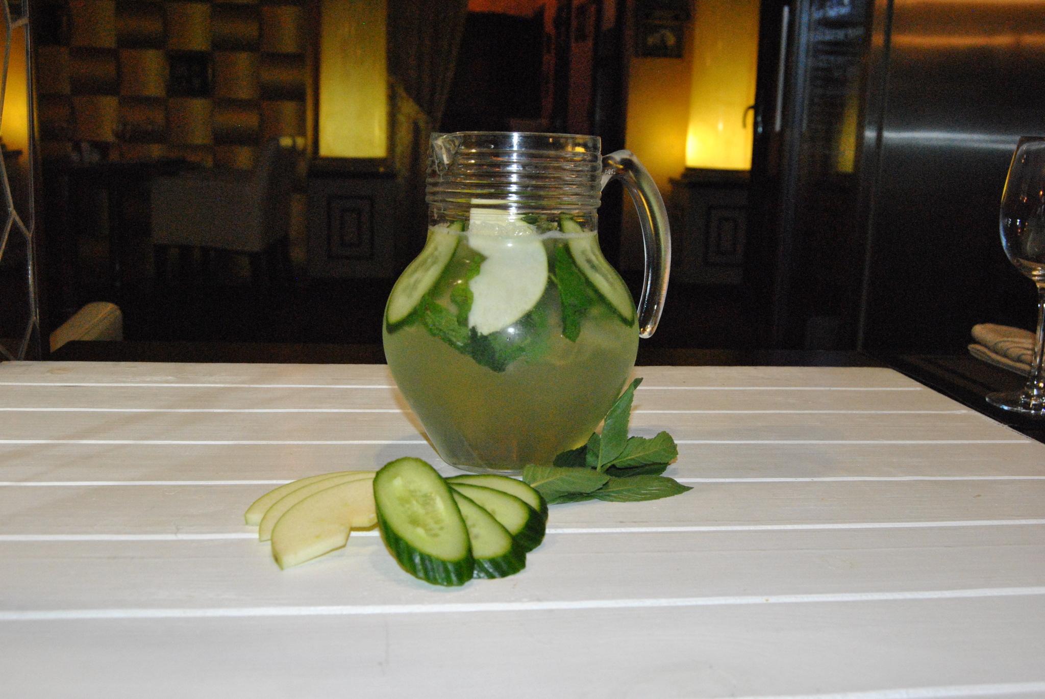 Лимонад огуречный с яблоком