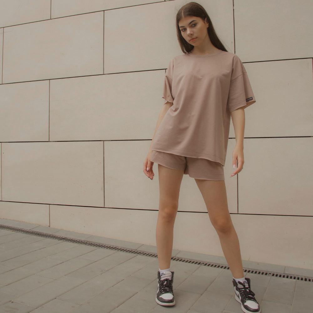 Дитячий, підлітковий літній костюм для дівчинки з шорт і футболки оверсайз в бежевому кольорі