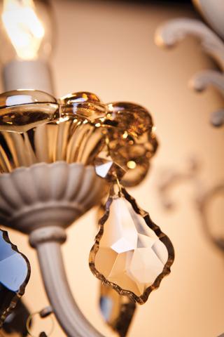 Люстра с тонированным хрусталем 3281/5 белый с золотом / тонированный хрусталь