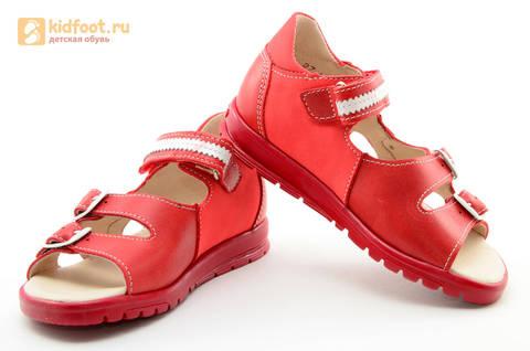 Босоножки Тотто из натуральной кожи с открытым носом для девочек, цвет Красный, 1082B. Изображение 10 из 16.