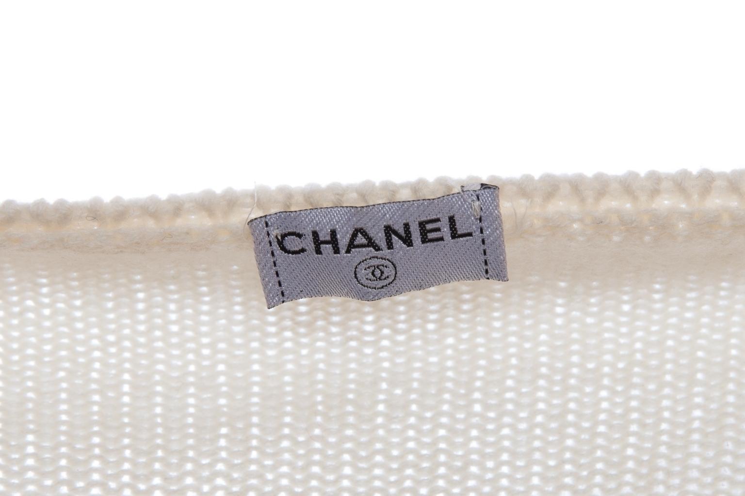 Трикотажный костюм-двойка из кашемира от Chanel, 46 размер