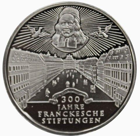 10 марок. 300 лет Франкскому благотворительному фонду (D). Серебро. 1998 г. PROOF. В родной запайке