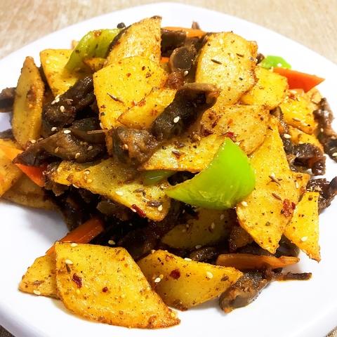38-14Куриные желудки с картофельными слайсами鸡胗土豆片