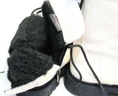 Белые ботинки с мехом женские зимние Ari Andano 740 Milk Black.