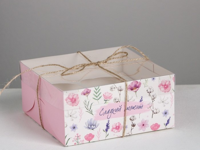 Коробка на 4  капкейка «Сладкий момент»