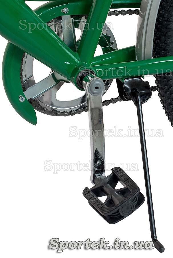Подножка и педаль городского универсального подросткового велосипеда Дорожник Карпаты 2015