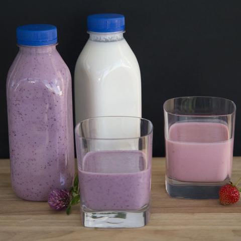 Фотография Йогурт из козьего молока с клубникой / 0,5 л купить в магазине Афлора
