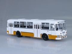 LIAZ-677M white-ocher 1990 Soviet Bus (SOVA) 1:43